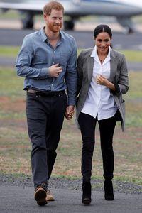 Pangeran Harry memakai cincin Oura berwarna hitam (Getty Images)