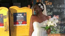 Kesal Terus-terusan Ditanya Kapan Nikah, Wanita Ini Nikahi Diri Sendiri