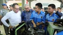 Menaker Bagikan 1.000 Sertifikat Kompetensi ke Siswa BLK Makassar