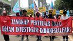 Aksi Massa Tolak Penyebaran Hoax di Depan Mabes Polri