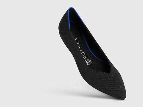 Hamil, Meghan Markle Ganti High Heels dengan Sepatu Flat Rp 2 Jutaan Ini