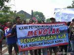 Petani Tolak Penghapusan Kolam Jaring Apung di Purwakarta