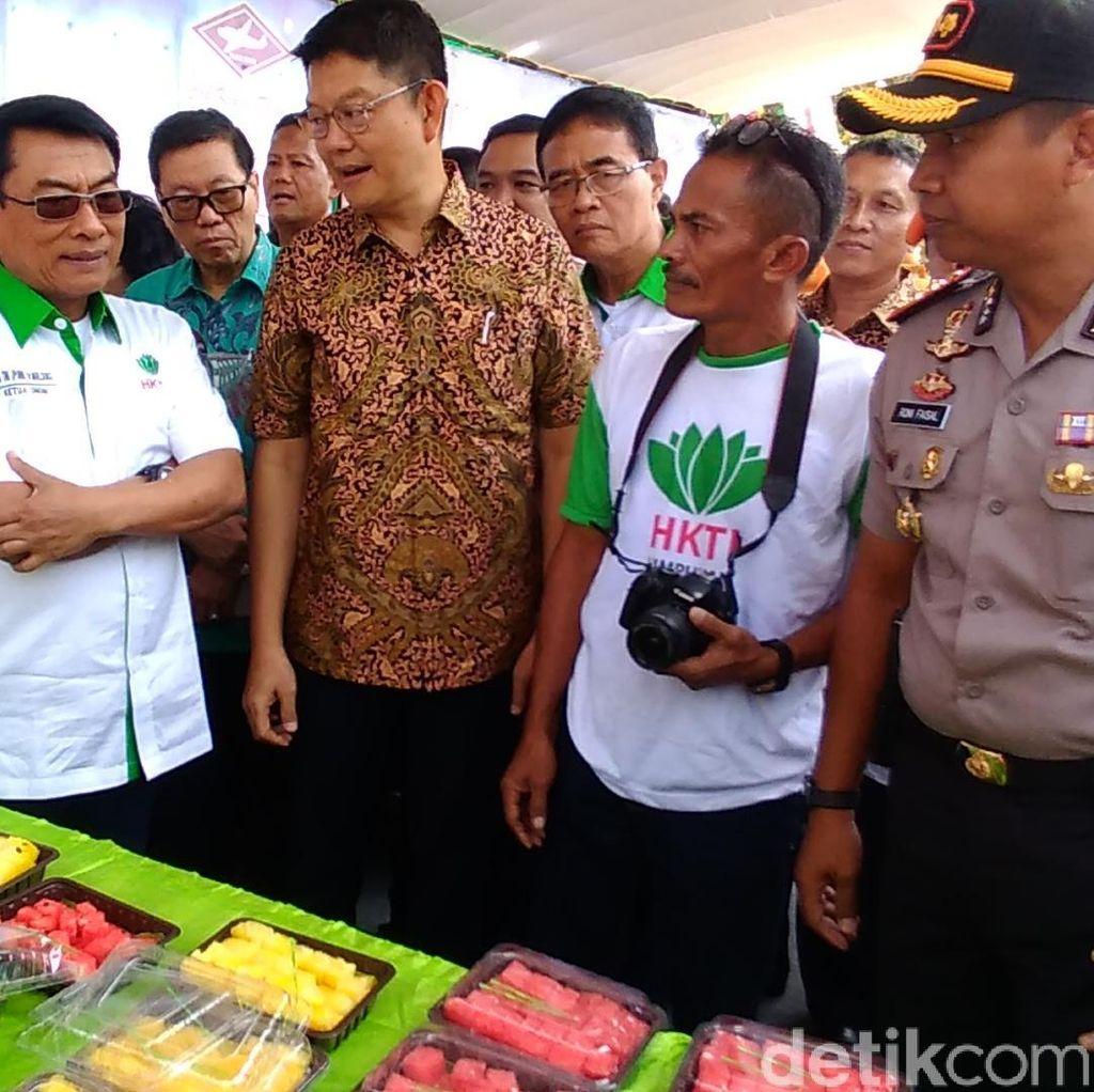 Ketua HKTI-BISI Panen Raya Jagung di Kediri