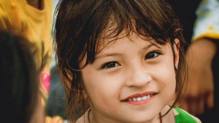 Mengintip 6 Foto Jihan, Anak Cantik dan Tegar Korban Gempa Palu