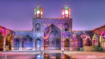 Berkunjung ke Salah Satu Masjid Terindah di Dunia