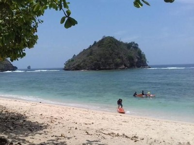 Pantai-pantai nan Cantik di Malang Selatan