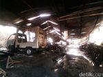 Kebakaran Puluhan Motor Pelajar SMKN 1 Berhasil Dipadamkan