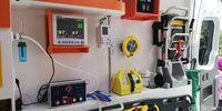 Peralatan medis di ambulans Mercedes-Benz.