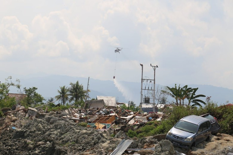 Cegah Penyakit Menular, BNPB Water Bombing Area Likuifaksi Sulteng