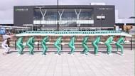 Cosplay Film Kartun Itu Biasa, Ini Cosplay Shinkansen