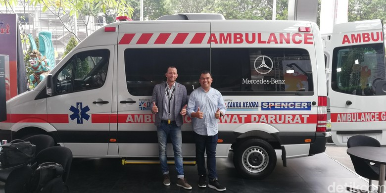 Ambulans Mercedes-Benz Sprinter. Foto: Rizki Pratama