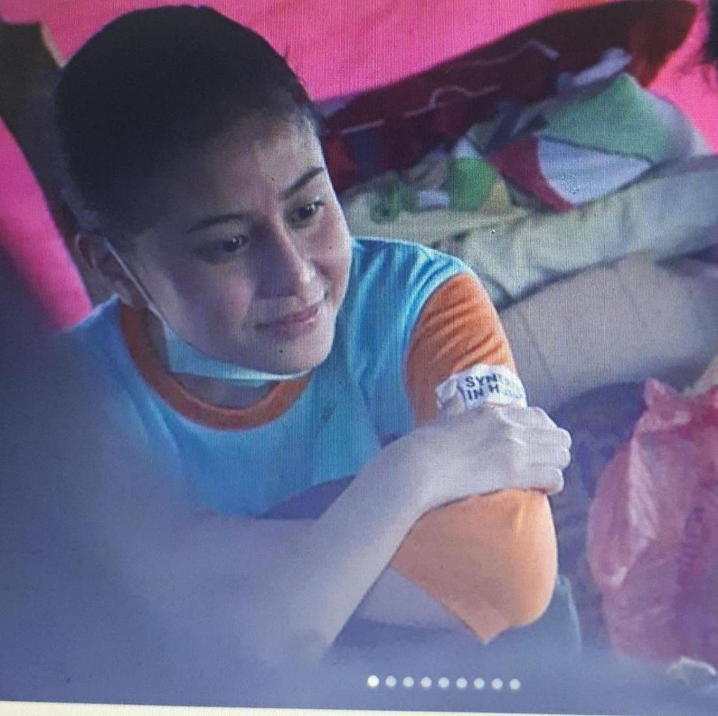 Ibunda Roro Fitria Meninggal Dunia, Awkarin Jadi Relawan di Palu