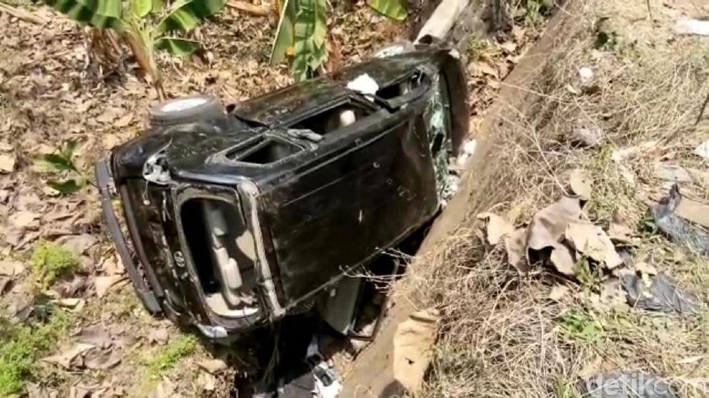 Video: Perampok Gagal! Mobilnya Dirusak dan Dibuang ke Parit
