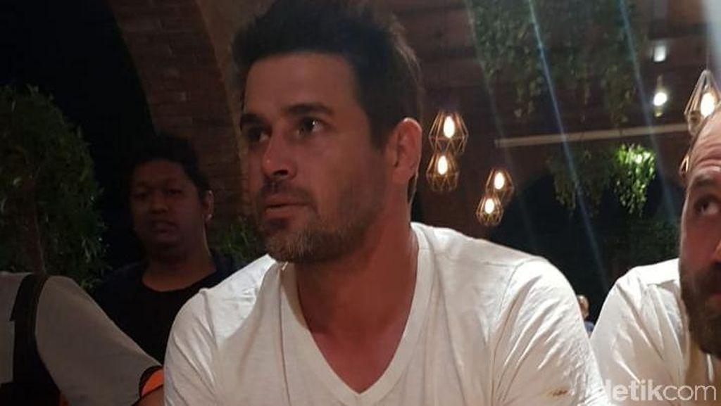 Reshad Strik, Aktor Tampan Asal Turki Ditangkap Imigrasi Makassar