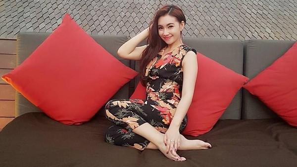 Yeslin Wang Tegaskan Isu Delon-Putri Juby Hanya Setting-an?