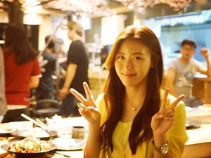 Ini Bukti Kalau Si Cantik Ha Ji Won Emang Doyan Kulineran