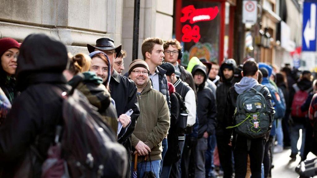 Foto: Warga Kanada Ramai-ramai Beli Ganja yang Kini Dilegalkan