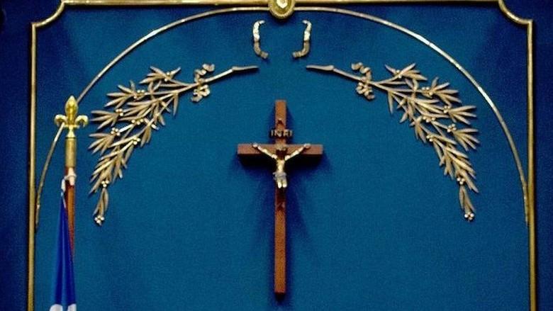 Ingin Larang Simbol Agama, Quebec Enggan Turunkan Salib di Parlemen