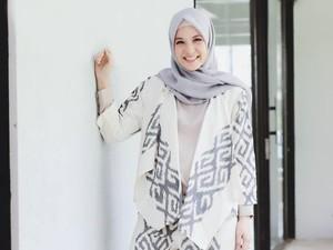 Ulang Tahun, Natasha Rizky Bagikan 3000 Jilbab untuk Palu dan Lombok