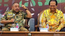 Saat Aboe Bakar Al-Habsyi dan Anton Sihombing Berdiskusi di DPR