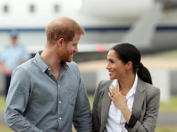 Harry dan Meghan saat tur kerajaan