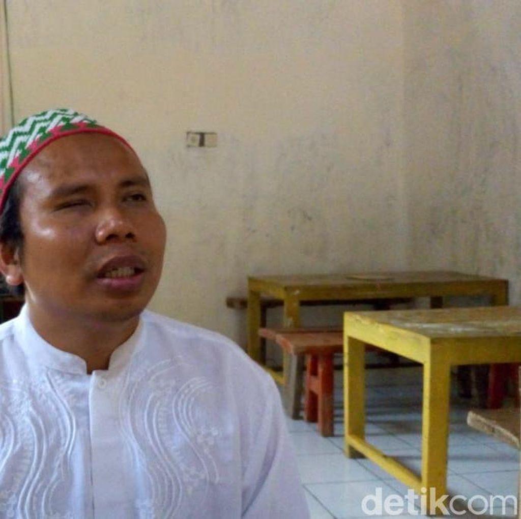 Mengenal Soiran, Guru Penyandang Tunanetra di Ponorogo