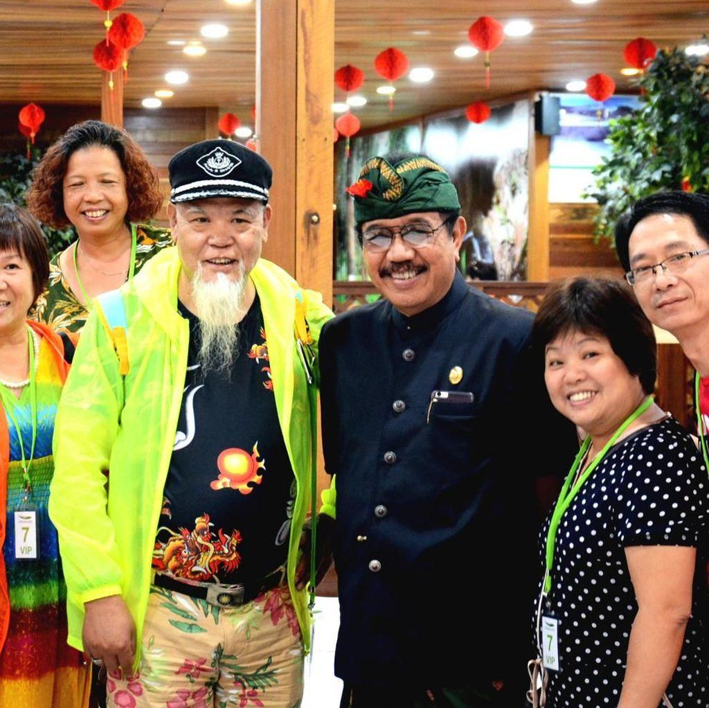 Wagub Bali Sidak Toko di Benoa yang Pekerjakan WN China
