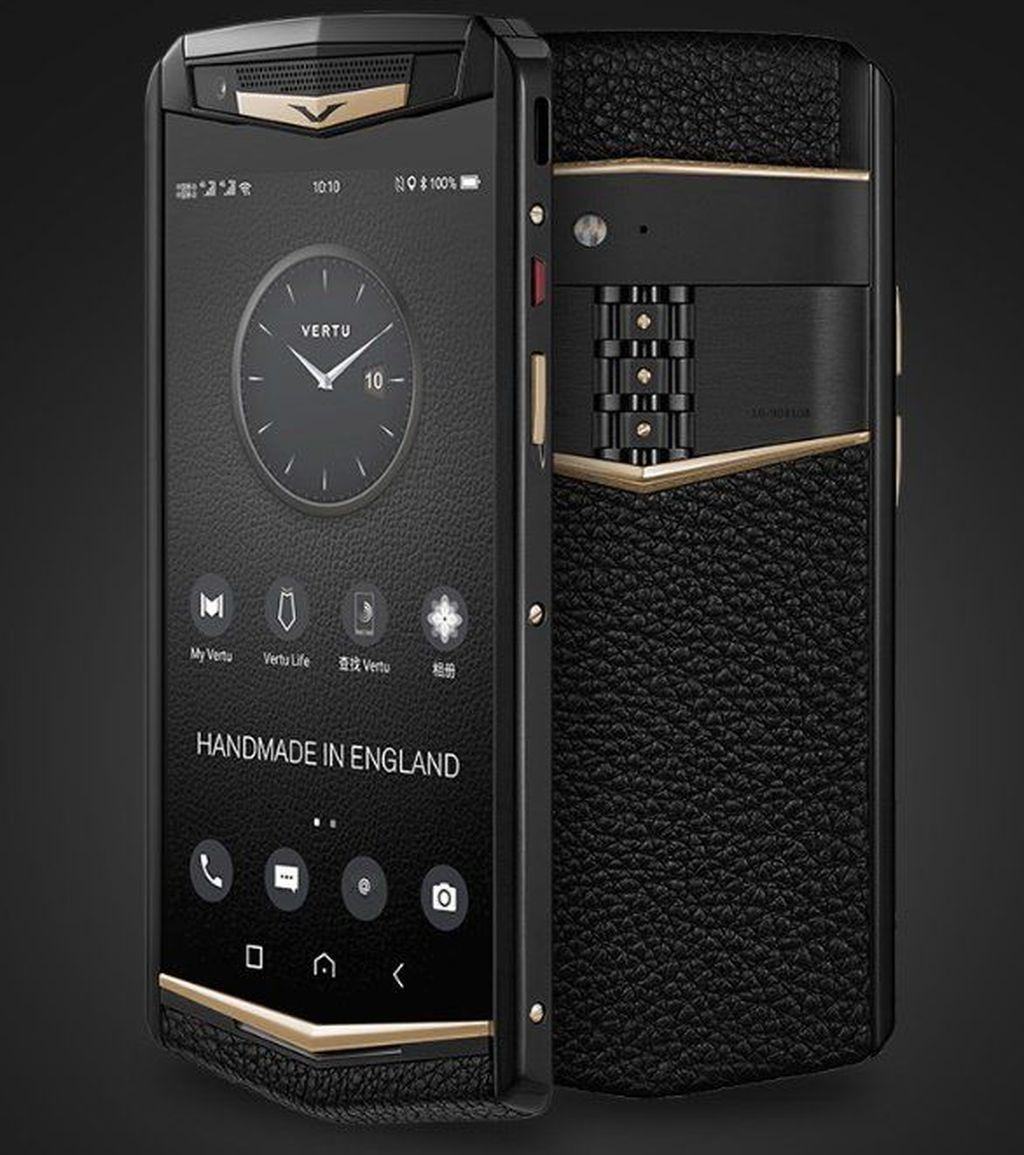 Sama seperti ponsel Vertu lainnya, Aster P dibuat dengan tangan di Inggris. (Foto: Gizmochina)