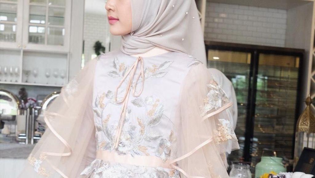 Tren Busana Pengantin Hijab Terbaru Menurut Desainer Ayu Dyah Andari