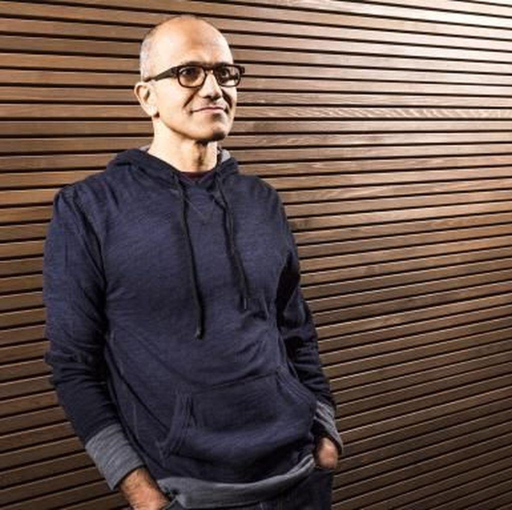 Kisah CEO Microsoft Kerja di Rumah Dibantu Anaknya