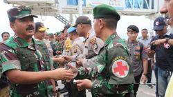 Panglima TNI-Kapolri Tinjau Pengungsian dan Reruntuhan di Petobo