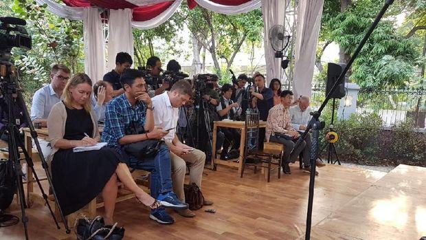 Di depan Jurnalis Asing, Hasyim Jelaskan 'Make Indonesia Great Again'