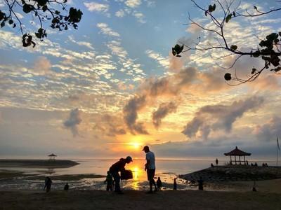 Pantai Sanur dan Sunrise yang Istimewa