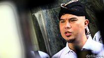 Fadli Zon Absen, Sidang Ahmad Dhani Ditunda