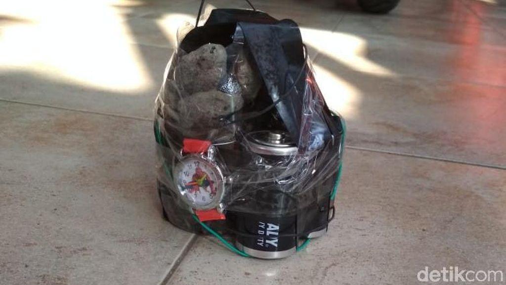 Benda Mirip Bom di Rumah Kontraktrok Blitar Diduga untuk Teror