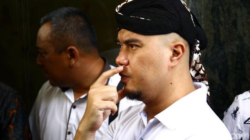 Fadli Zon Tak Hadir, Sidang Ahmad Dhani Kembali Ditunda