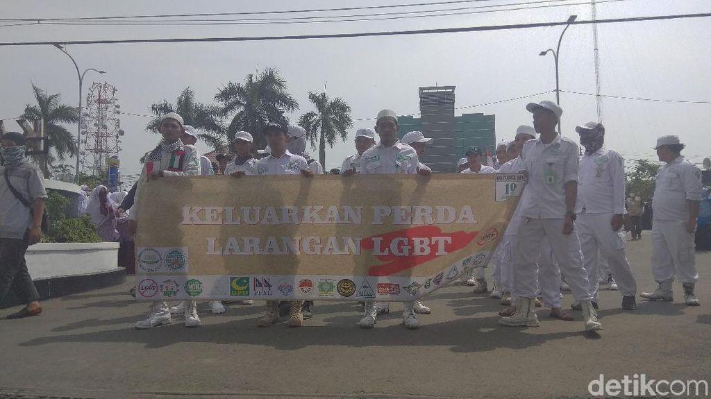 Ormas Islam di Karawang Gelar Aksi Tolak LGBT