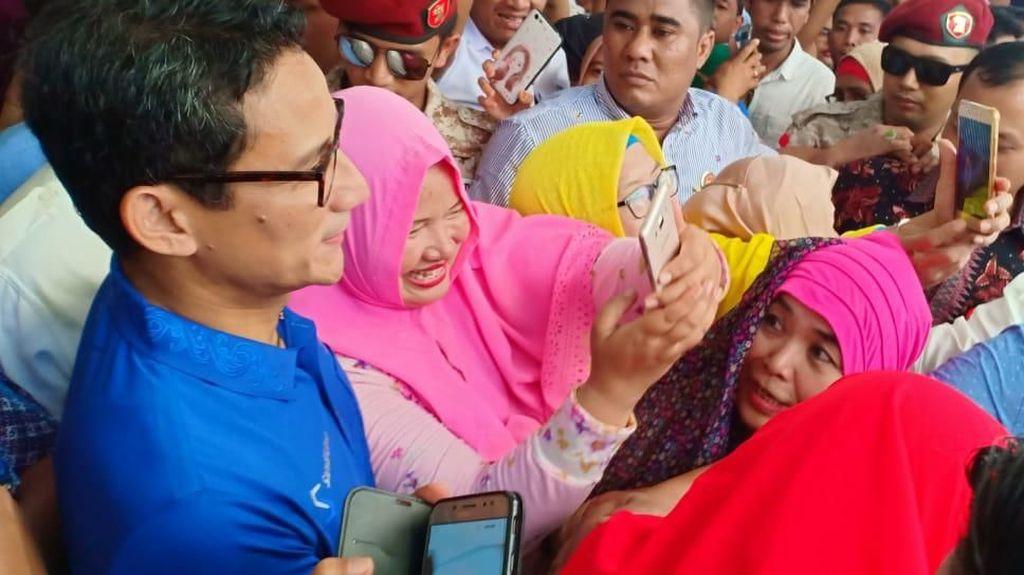 Kampanye di Padang, Sandiaga Uno Ajak Amak-amak Goyang Dua Jari