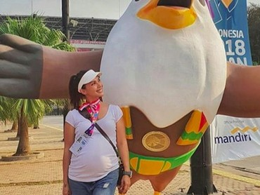 Bumil Nadya habis nonton Asian Para Games nih. (Foto: Instagram @nadiamulya)