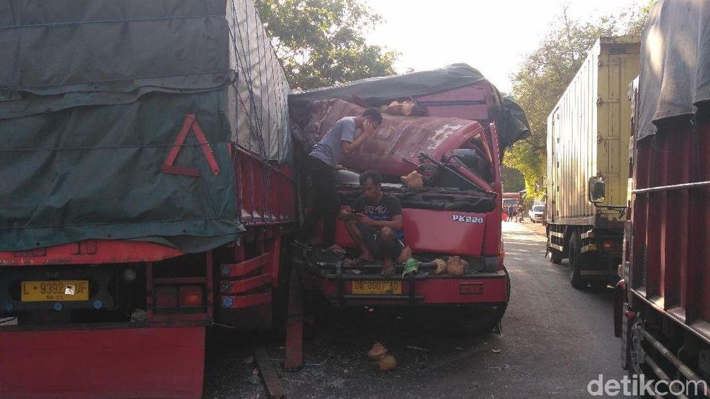 2 Truk Terlibat Kecelakaan di Pantura Situbondo, Arus Lalin Tersendat