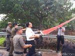 Anies Segel Reklame Langgar Aturan di Jalan Rasuna Said