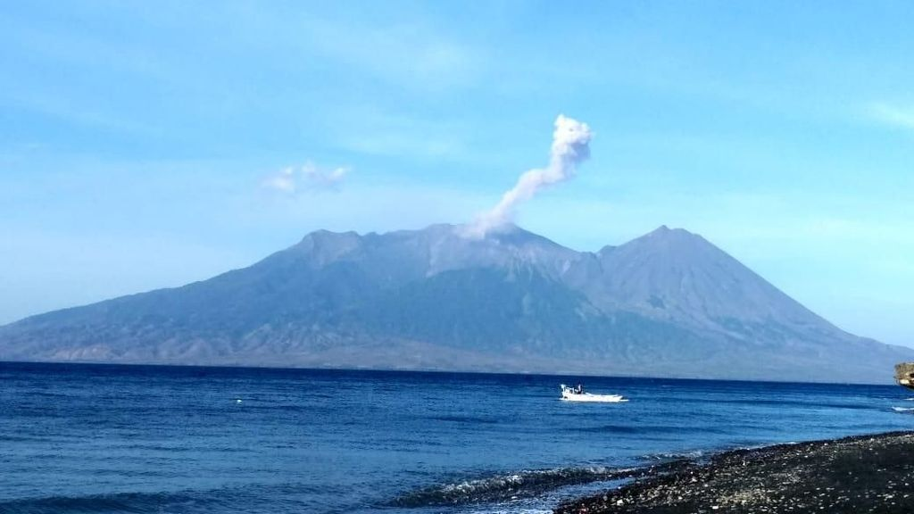 Cara Suku Lokal NTB Belajar Mitigasi Gunung Meletus