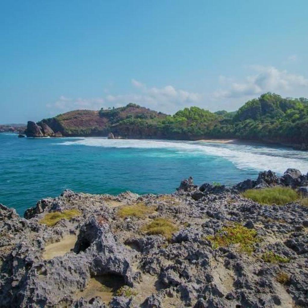 Pantai Widodaren yang Unik di Gunungkidul