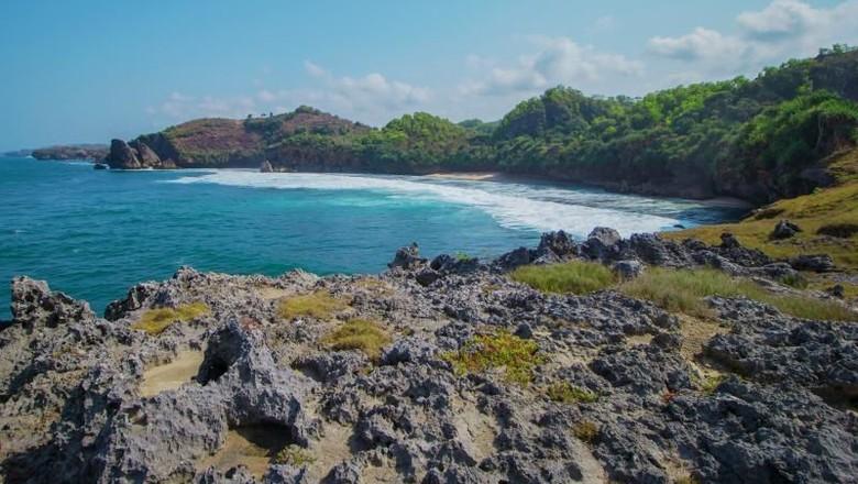 Pantai Widodaren di Gunungkidul