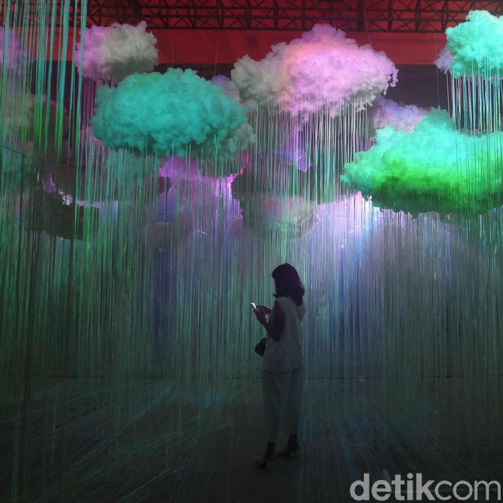 Menikmati Seni dan Teknologi di Festival Wave of Tomorrow