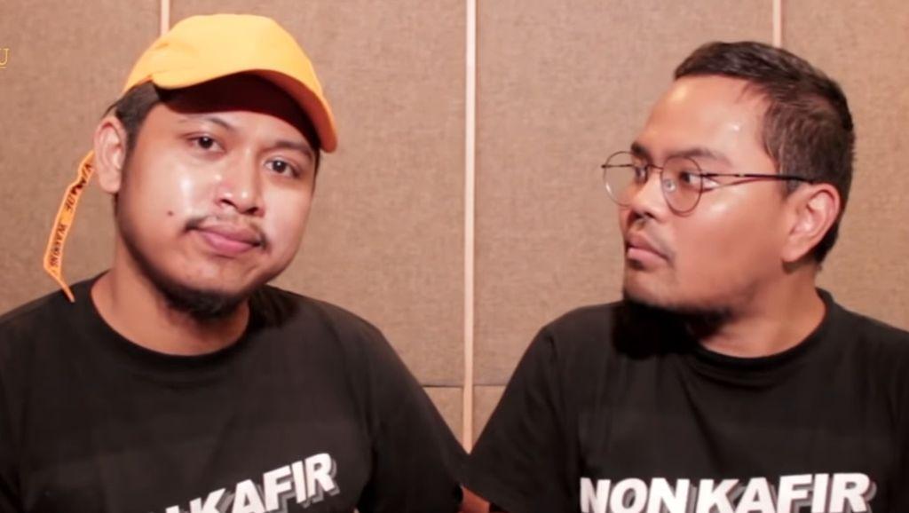 Menyimak Video Lengkap Tretan Muslim-Coki Pardede Masak Babi Campur Kurma