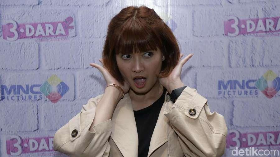 Aih...Chika Jessica Centil Banget Sih!