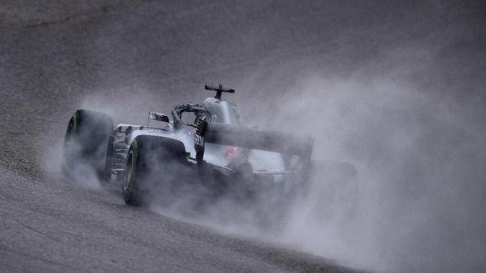 Lewis Hamilton kembali jadi yang tercepat di sesi latihan bebas kedua GP Amerika Serikat. (Foto: Clive Mason/Getty Images)