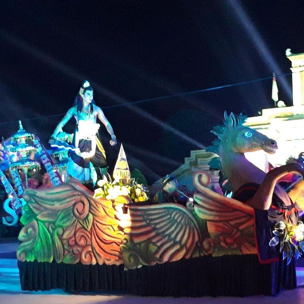Melihat Kemeriahan Jatim Specta Night Carnival yang Penuh Warna