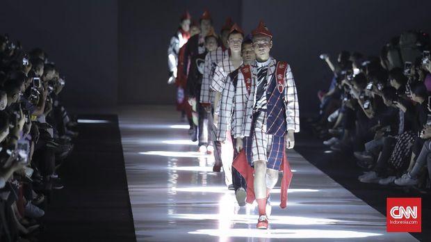 Peragaan busana Danjyo Hiyoji dalam Jakarta Fashion Week 2019.